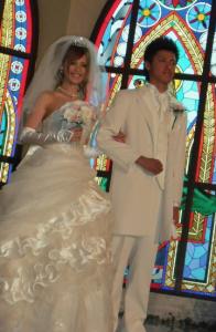 飯沼ももこさんの結婚式。ドレス姿が綺麗です。