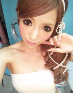 ガリガリ疑惑の八鍬里美さん。モデル標準でこれぐらい?
